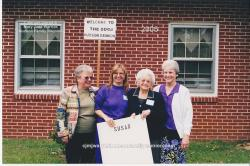 2005 – Family of Susan: Helen Faye Lee Register, Angela Hewitt, Annie Lee Barnhill Lee, Lou Lee Thornton.